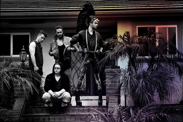 Photoshoot pour l'album « Kings of Suburbia » 110