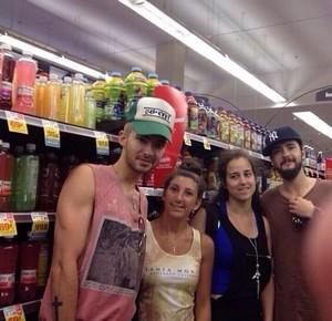 Bill & Tom avec deux fans françaises à  Los Angeles,USA 14.07.2014 57124910