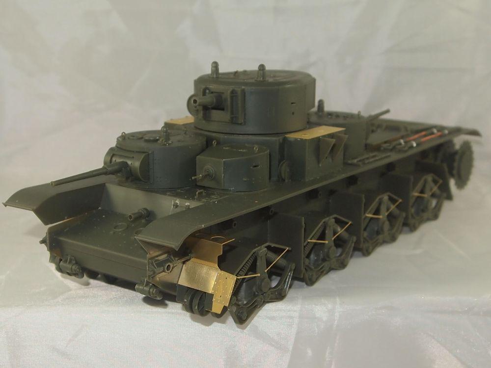T-35 début de production [Hobby Boss ref 83841 echelle 1/35): la peinture Mon0311