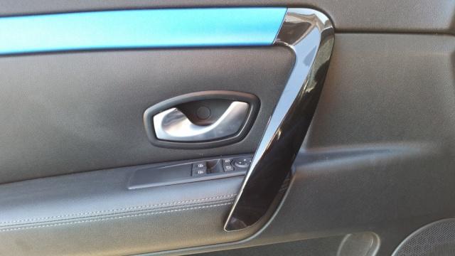 [Momofisher] Laguna III coupé GT 2.0 dCi 180 Bleu mat - Page 7 20141012
