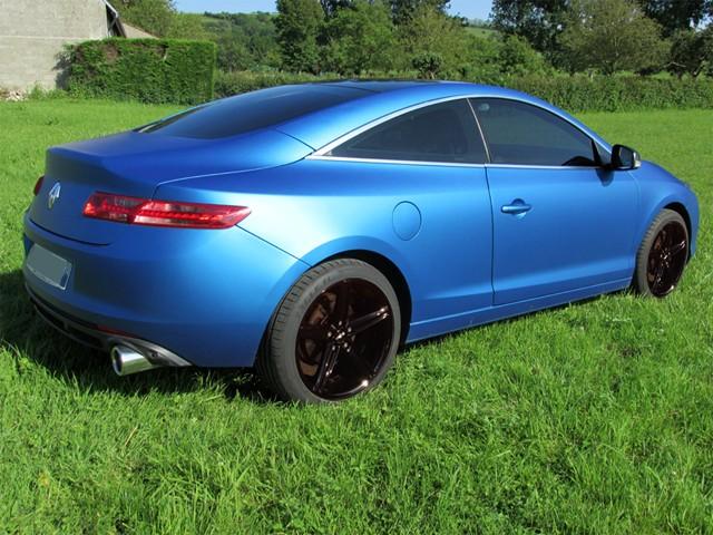 [Momofisher] Laguna III coupé GT 2.0 dCi 180 Bleu mat - Page 6 Img_0710