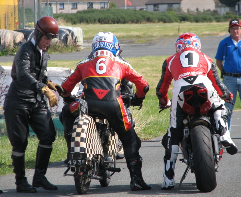 [Road Racing] Classic TT 2014 - Page 5 Img_8210