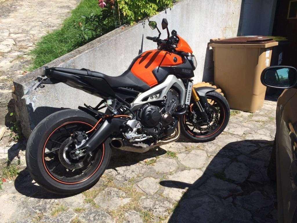Première [Yamaha MT-09] sur le forum : celle de l'admin ;-) Une Orange ! - Page 4 Mt-10