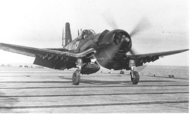 [Les anciens avions de l'aéro] F4 U7 Corsair Bb24