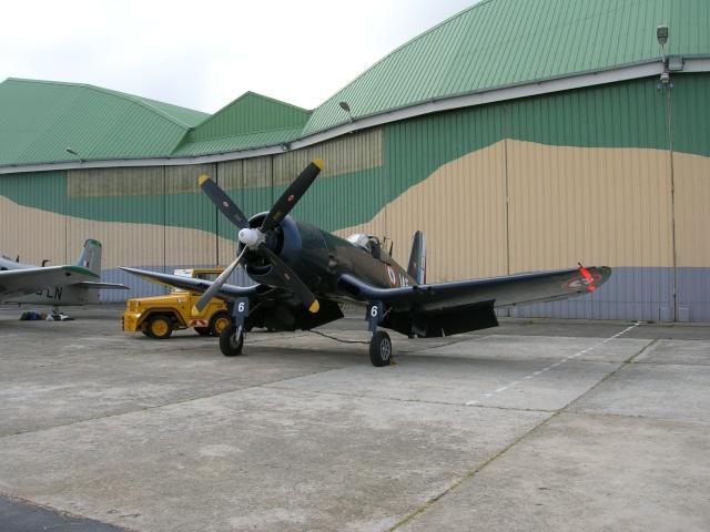 [Les anciens avions de l'aéro] F4 U7 Corsair C110