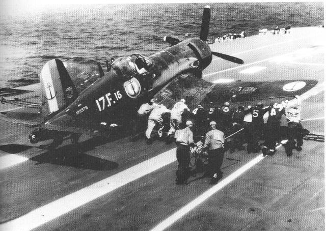 [Les anciens avions de l'aéro] F4 U7 Corsair - Page 2 Dd10