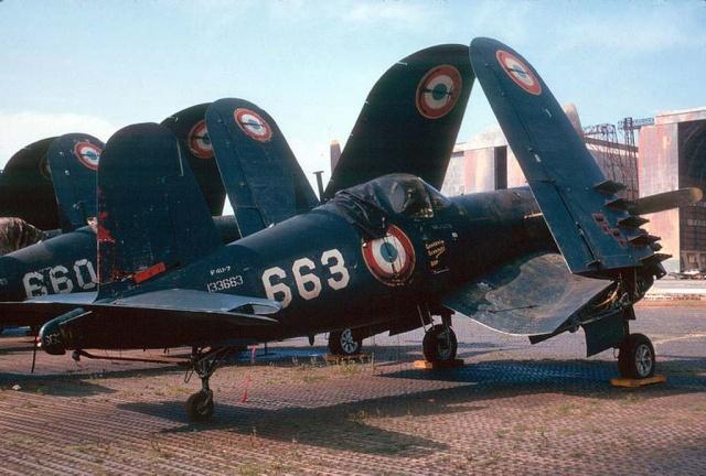 [Les anciens avions de l'aéro] F4 U7 Corsair Js102410