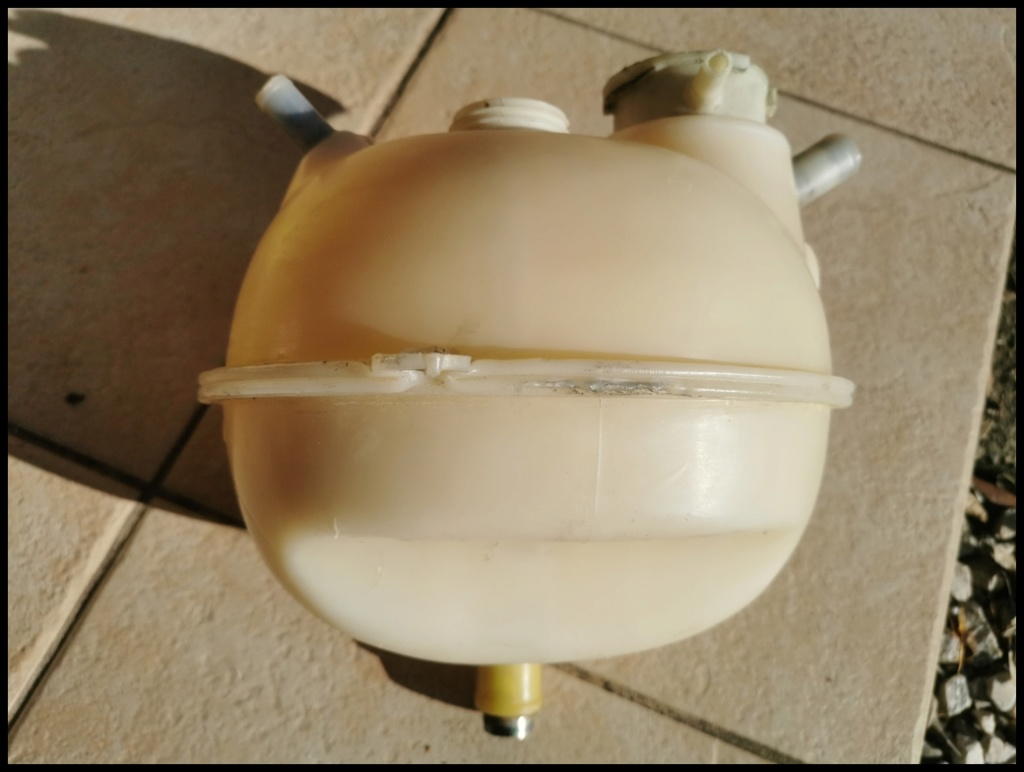 REFECTION DES PLASTIQUES BLANCS comme vase expansion 412