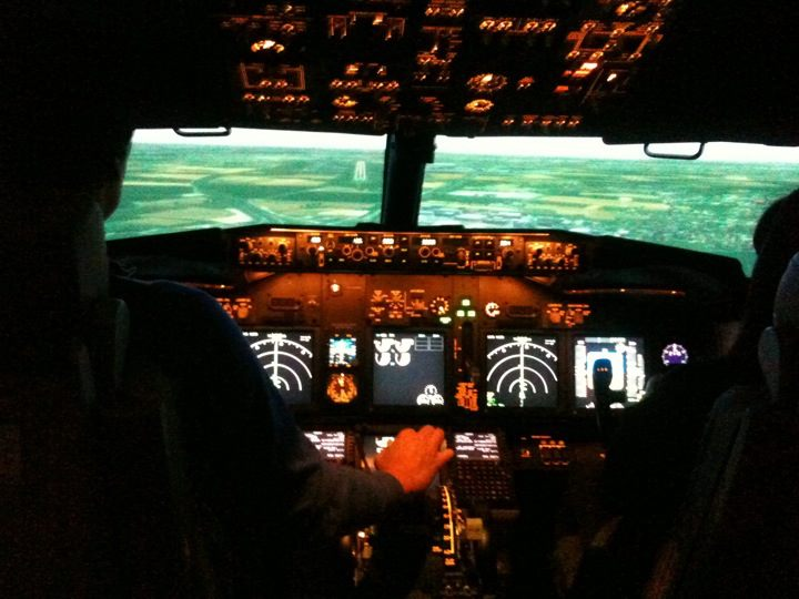Full Flight Simulators Installation Timelapse 30269310