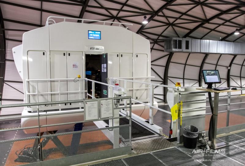 Full Flight Simulators Installation Timelapse Img_0013