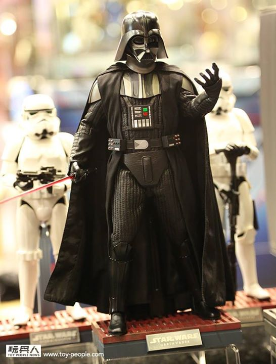 Hot Toys Star Wars ANH 1/6th Darth Vader Collectible Figure  10393711