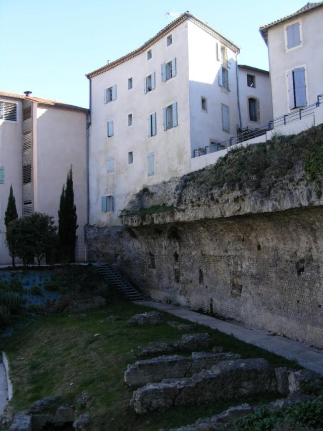 """Amphithéâtres romains : """"du pain et des jeux"""" 10545310"""
