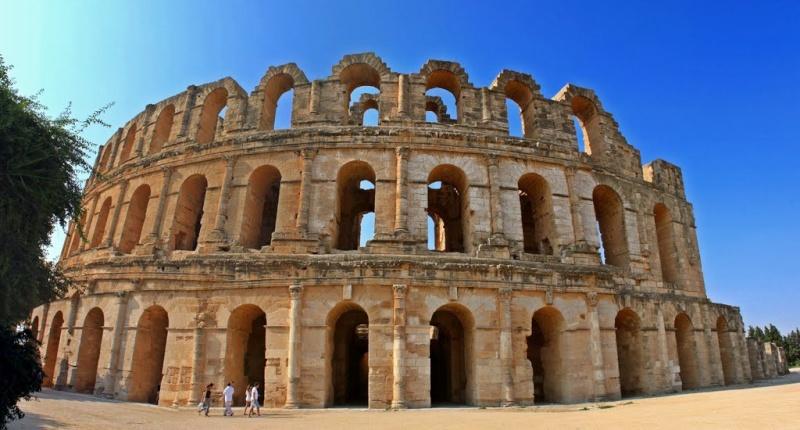 """Amphithéâtres romains : """"du pain et des jeux"""" 60592610"""