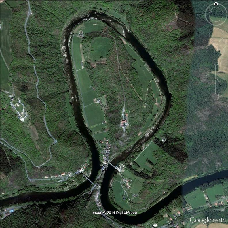 Ambialet (Tarn) : une presqu'île taillée par le Tarn Ambial11