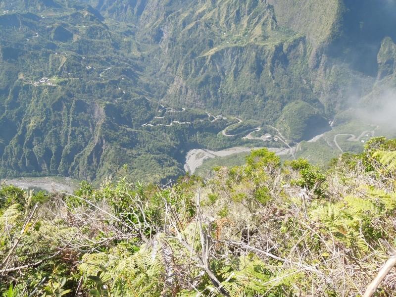 LA RÉUNION : la route de Cilaos, dite route aux 400 virages Dscn7010