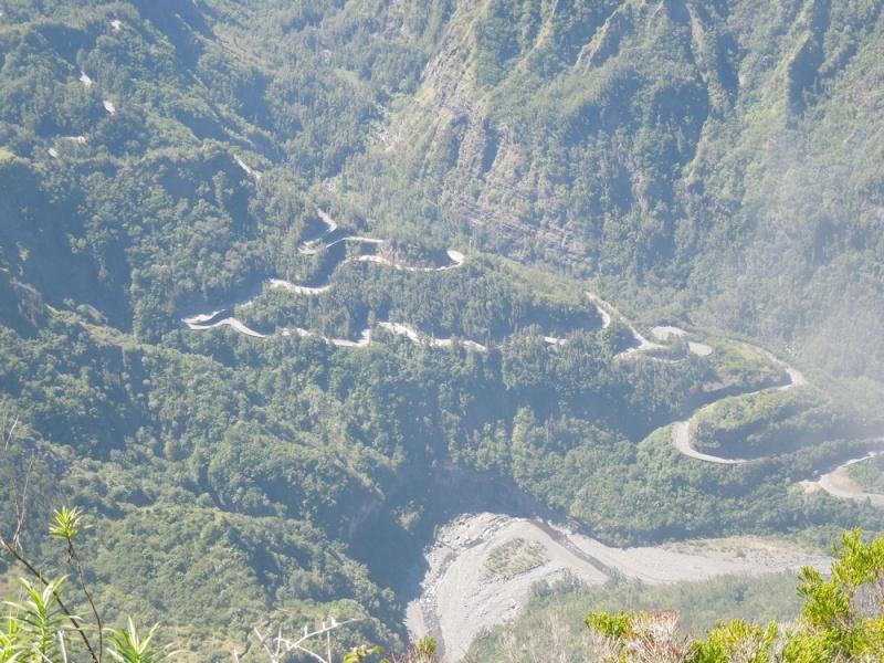 LA RÉUNION : la route de Cilaos, dite route aux 400 virages Dscn7011
