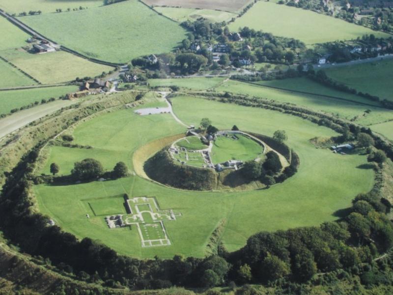 Old Sarum, Angleterre : une ville fortifiée vieille de 5000 ans Oldsar10
