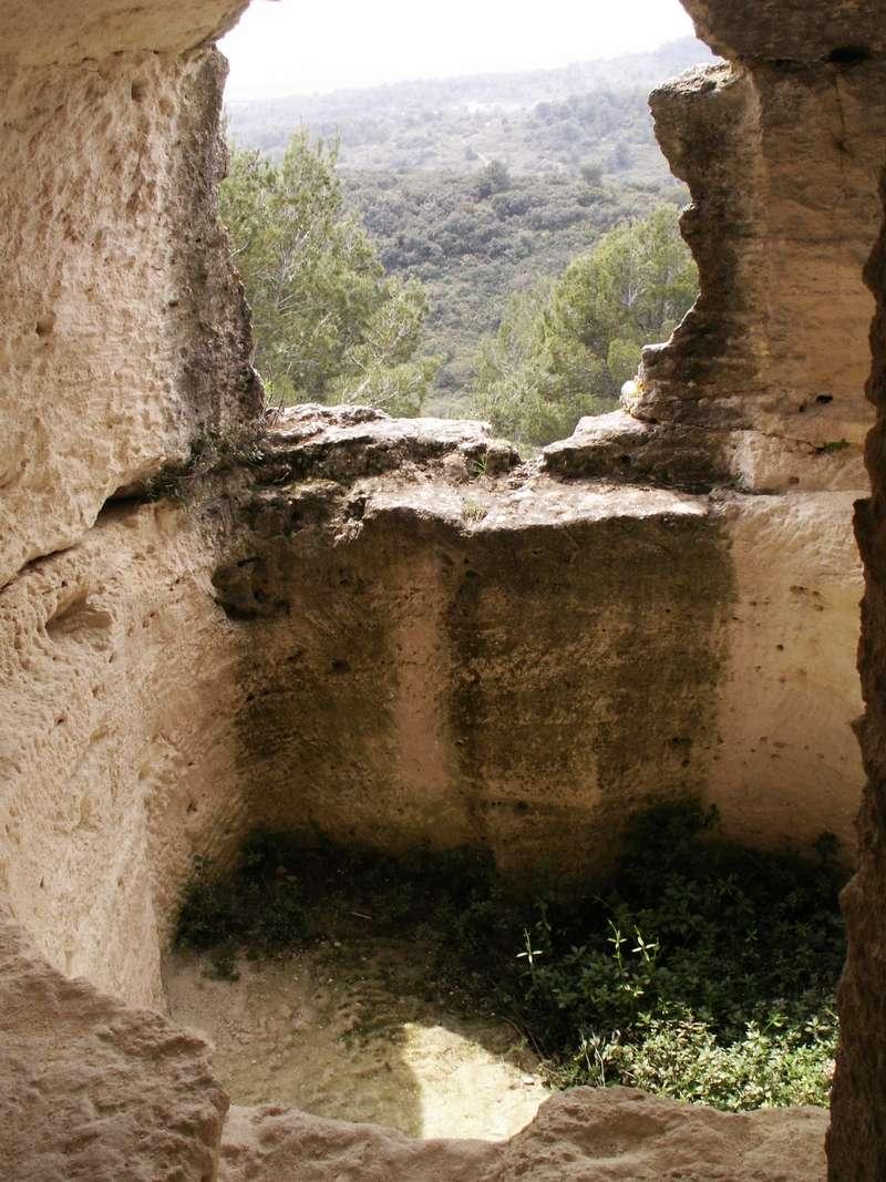 Les églises monolithes et troglodytiques    - Page 2 Pict0413