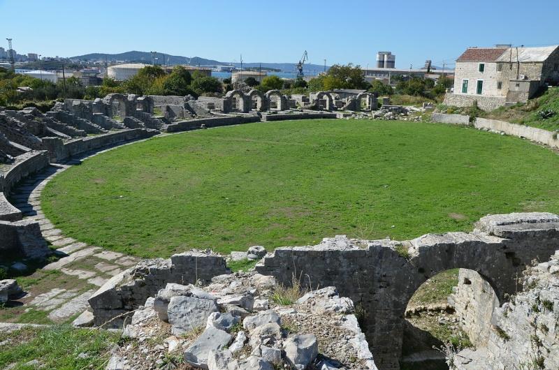 """Amphithéâtres romains : """"du pain et des jeux"""" Roman_10"""
