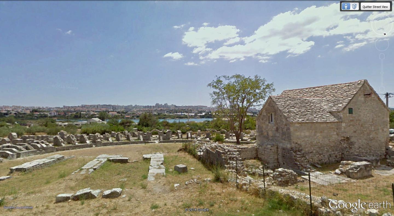 """Amphithéâtres romains : """"du pain et des jeux"""" Salone12"""