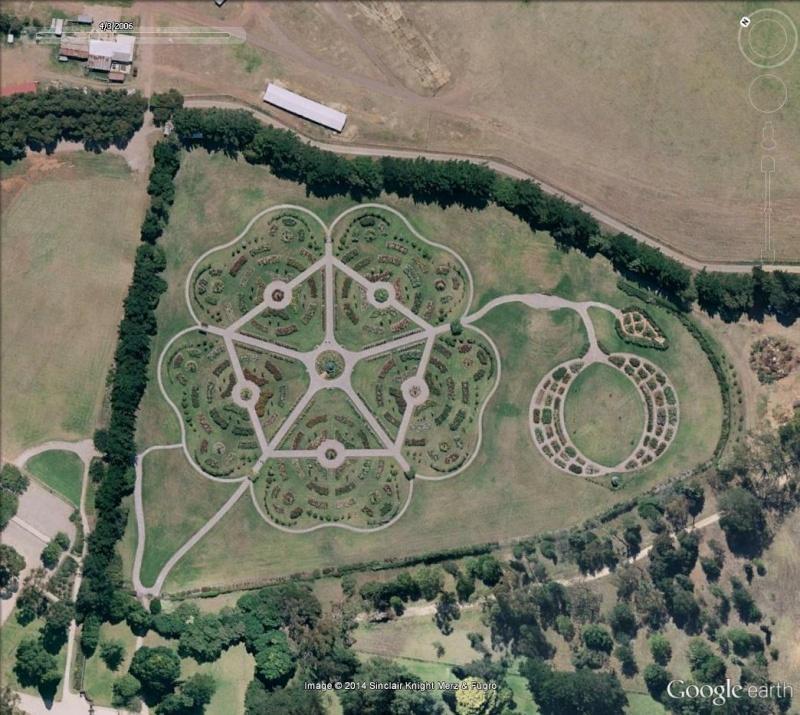 Les labyrinthes découverts dans Google Earth Victor10