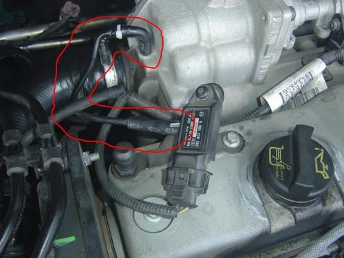 [ Ford Focus 1,8 TDCi 115 an 2007 ] durite capteur de pression Dsc04510