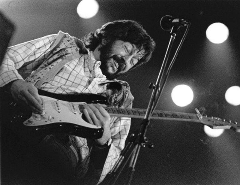 Les 1000 visages d'Eric Clapton - Page 7 10616210
