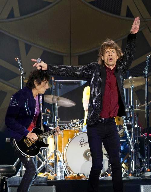 Stones News, Links, Témoinages - Page 42 Mick-j10