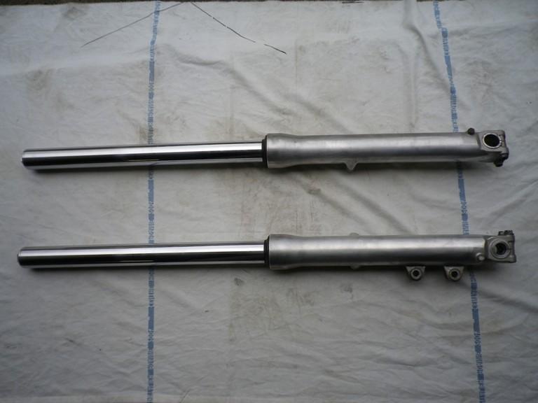 vends tubes  de  fourche shadow 1100 Imgp0013