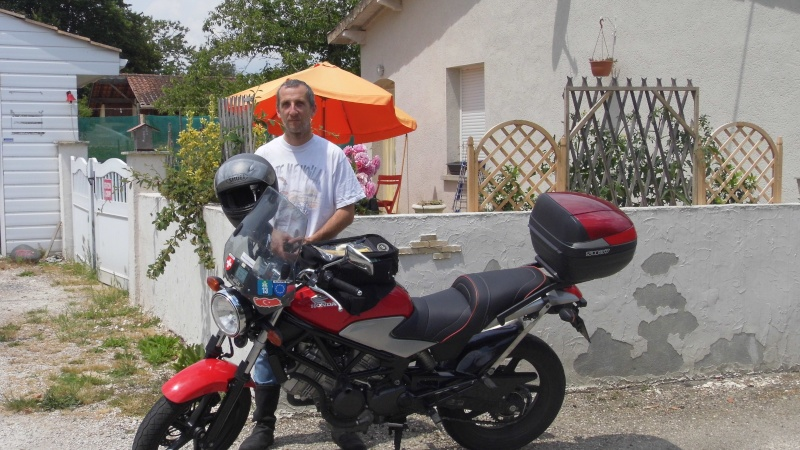 Rencontre Tiniel et Petit-mono à Eymet (Juin 2014) P1010612