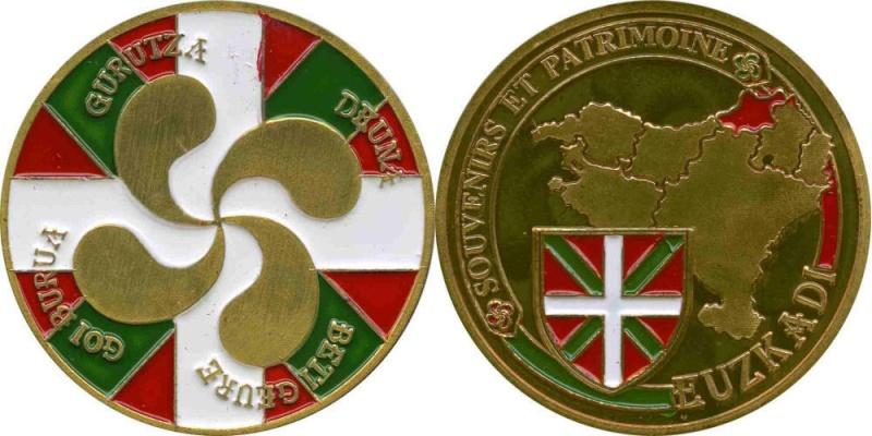 Souvenirs et Patrimoine 34mm  Basque10