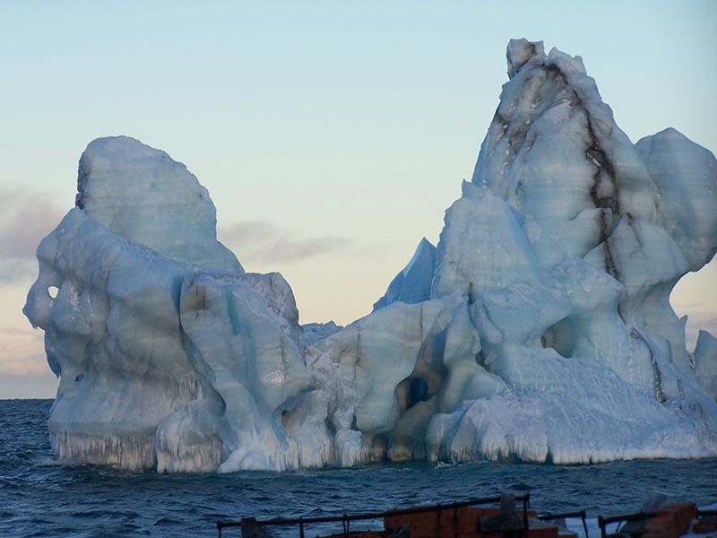 Арктика. Расположение метеостанций. 411