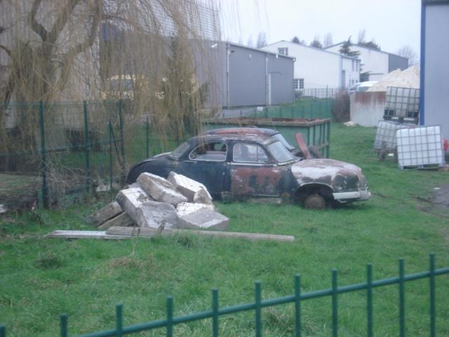 Les voitures abandonnées/oubliées (trouvailles personnelles) 256310