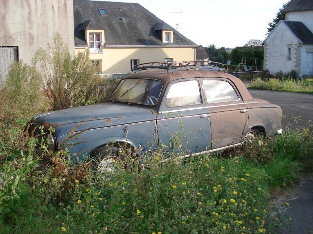 Les voitures abandonnées/oubliées (trouvailles personnelles) 26910