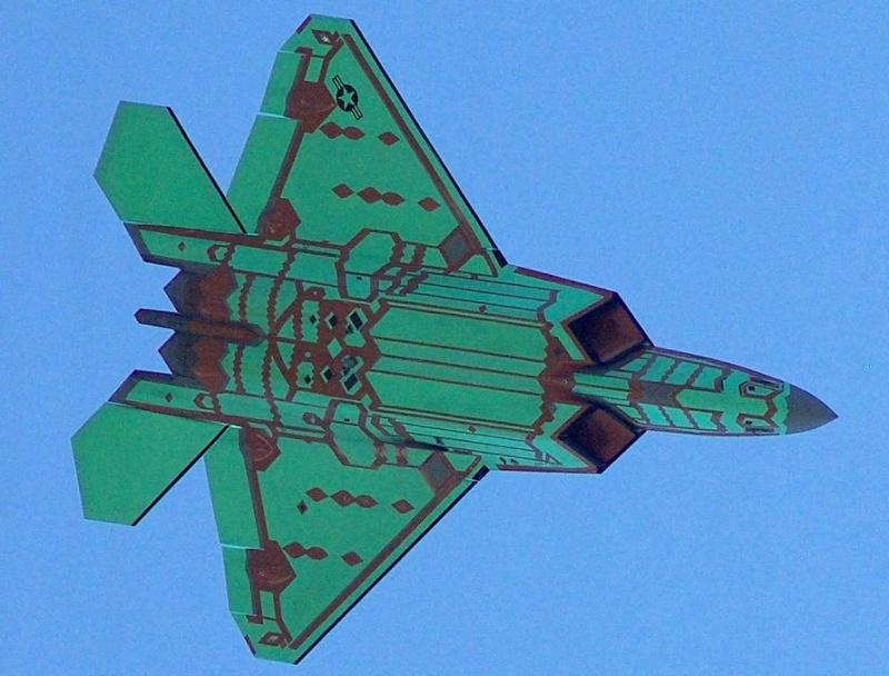 """F-22 """"tout nu"""" F22col11"""