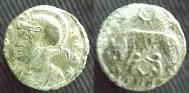 Maximiani Monetae Tryves10