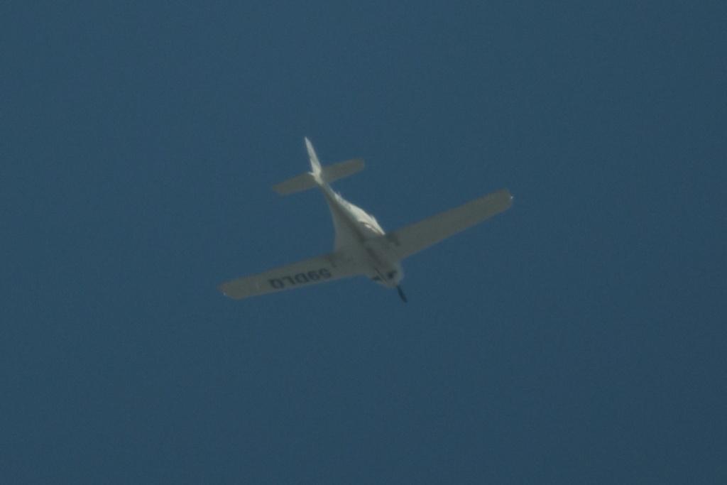 Ce avion este acesta? - Pagina 6 Dsc_0201