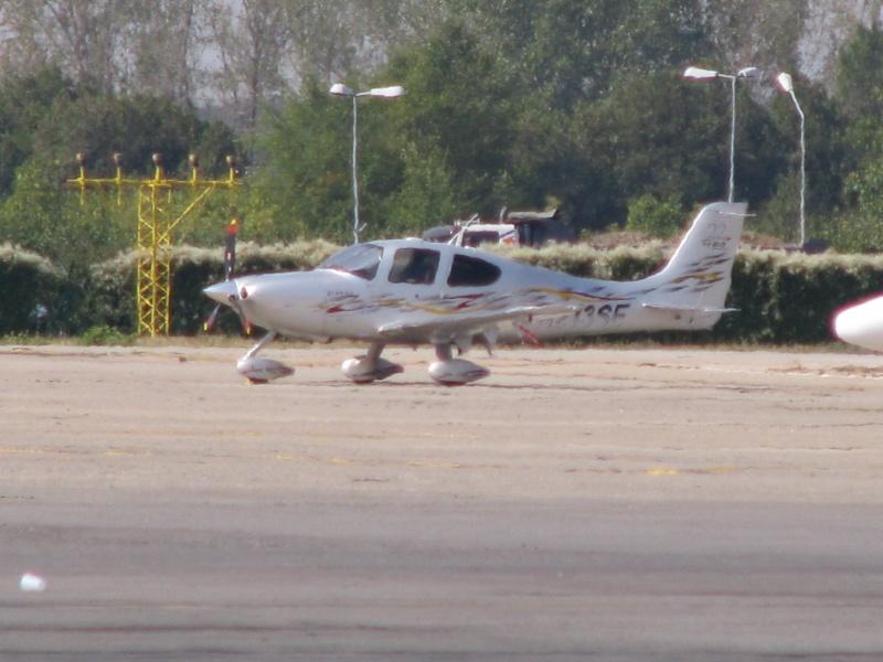Avioane business Pictu384
