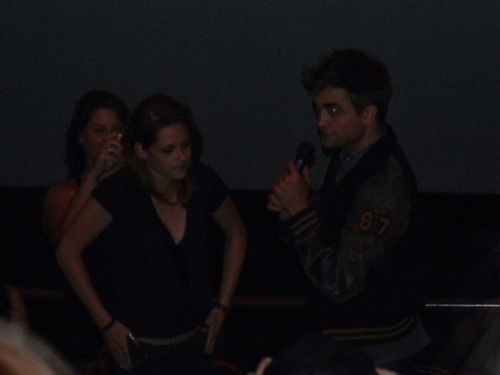 Kristen and Rob surprise fans at Eclipse screening 36396111