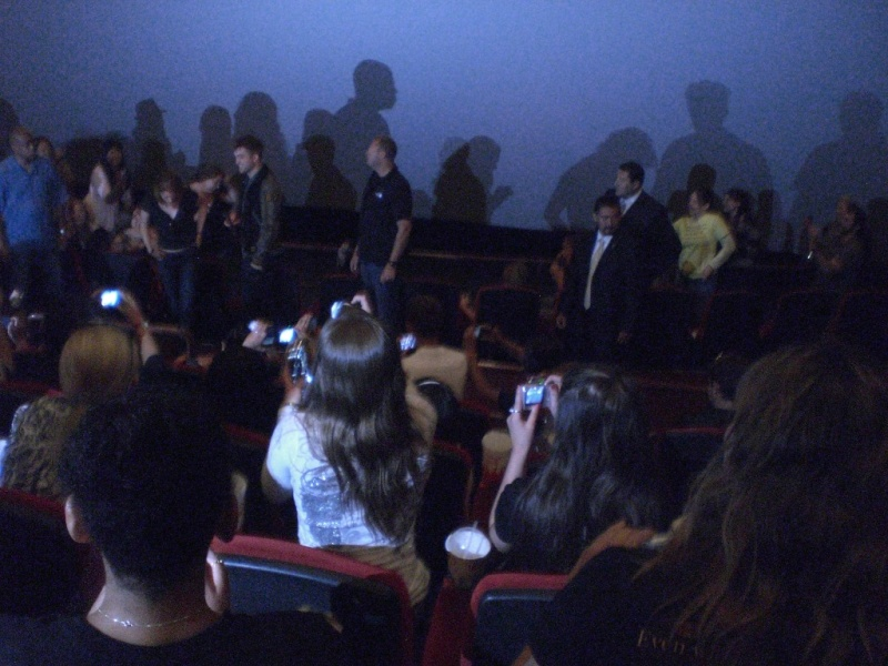 Kristen and Rob surprise fans at Eclipse screening Rk510