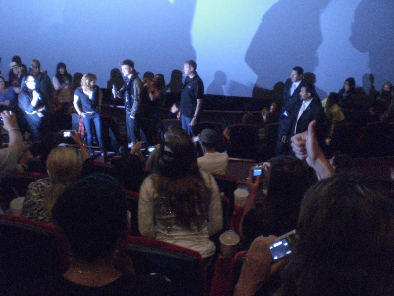Kristen and Rob surprise fans at Eclipse screening Rk610