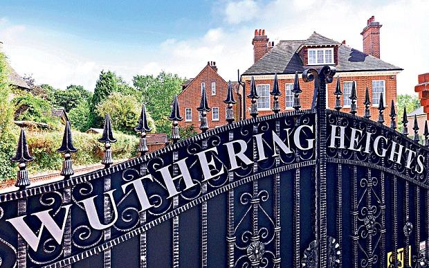 Une des anciennes maisons de Kate Bush est à vendre !  Katebu10