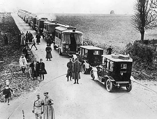 L'automobile dans la guerre 2811012