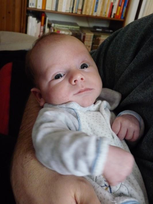 Enfants, grossesse, bibous et photos - Page 64 1mois-10