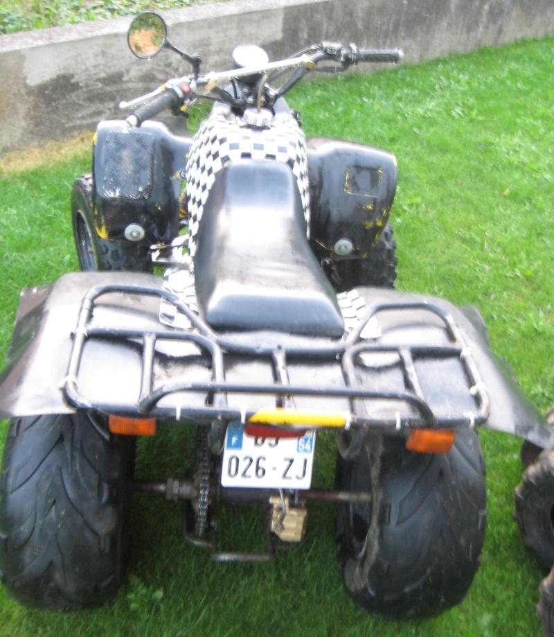 Vds quad 250 SMC Barossa 2004 homologué 2 personnes 01110