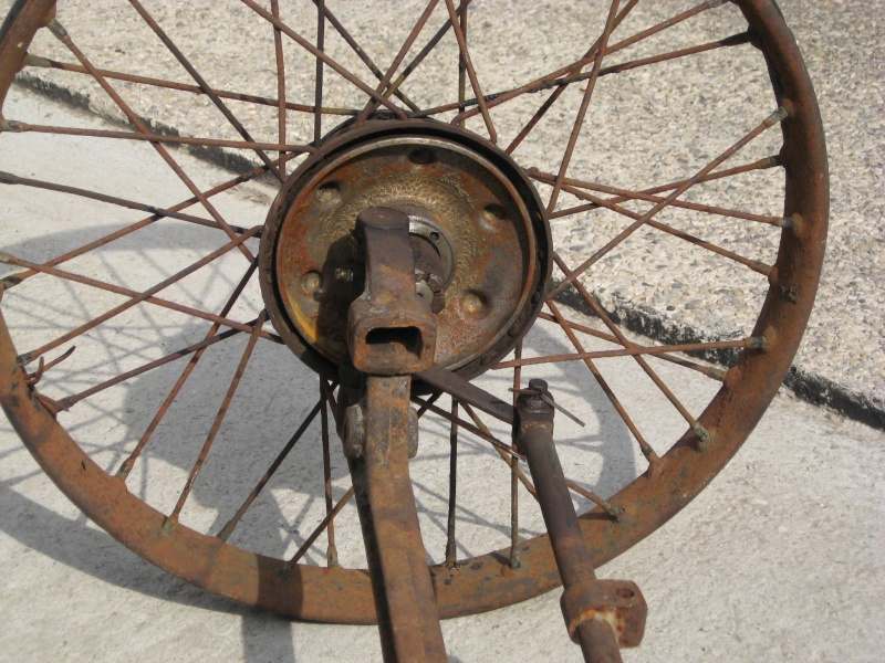 Senechal cyclecar - Page 4 Img_0111