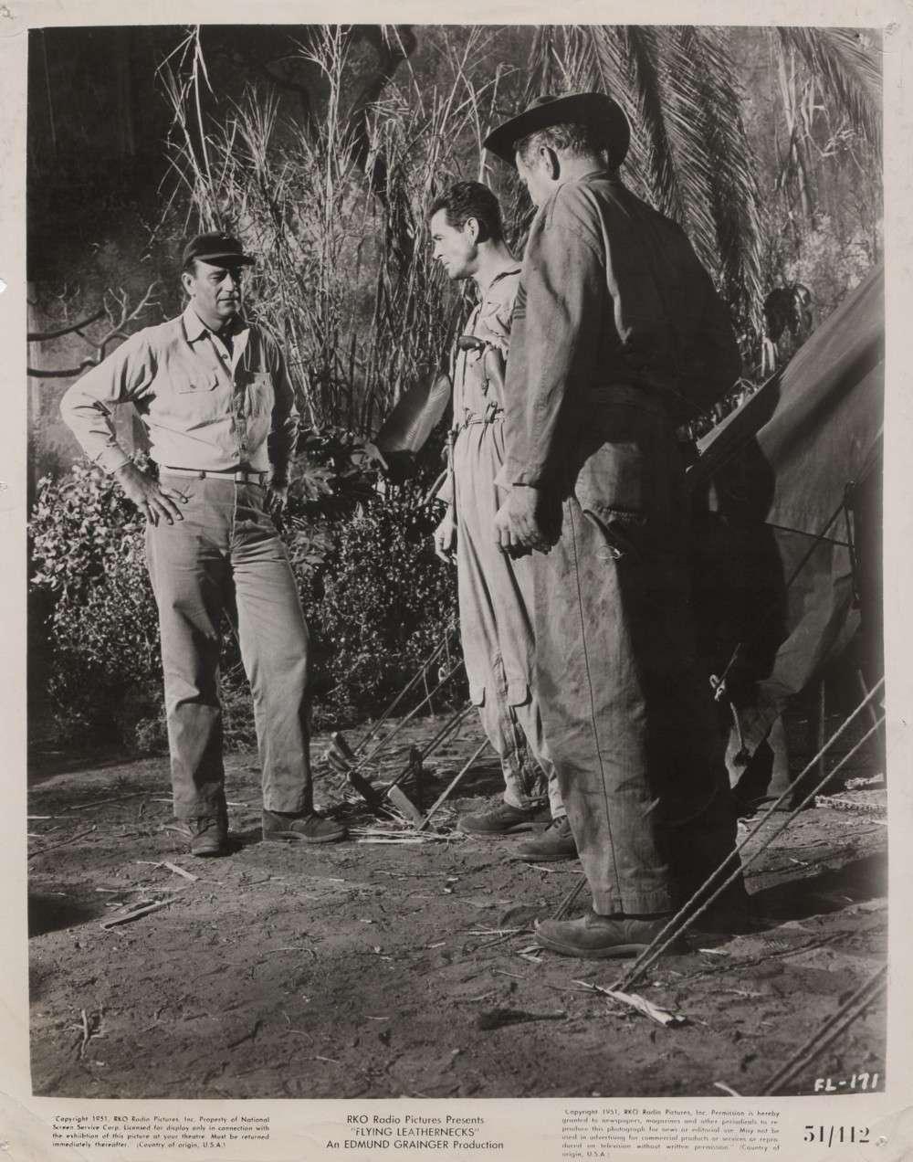 Les Diables de Guadalcanal - Flying Leathernecks - 1951 - Page 2 A_way132