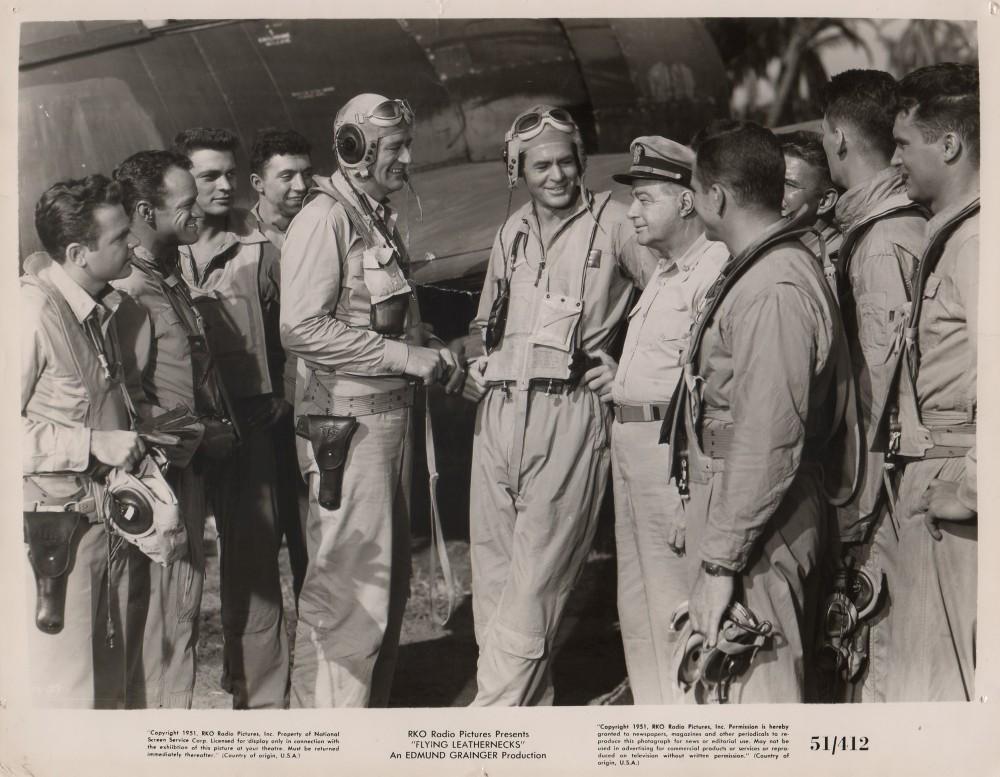 Les Diables de Guadalcanal - Flying Leathernecks - 1951 - Page 2 Photo124