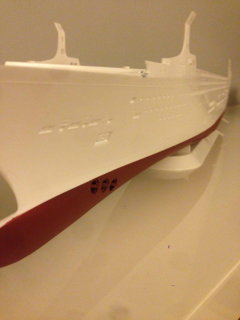 construction du queen mary 2 au 1/400 de chez revell Img_0610