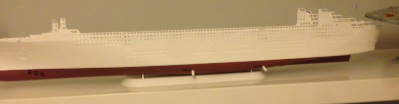 construction du queen mary 2 au 1/400 de chez revell Img_0611